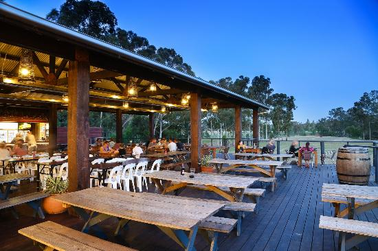 Kinross Woolshed Hotel Dining
