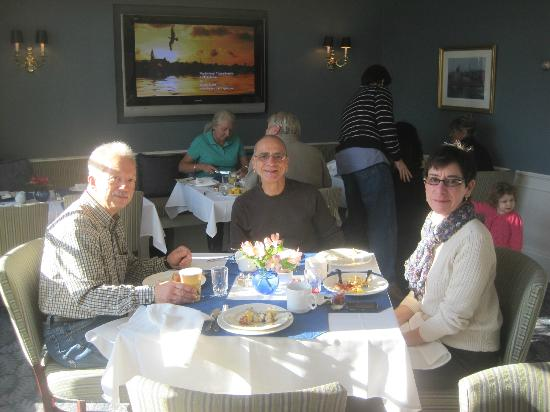 Harbor Light Inn: Enjoying a lovely breakfast