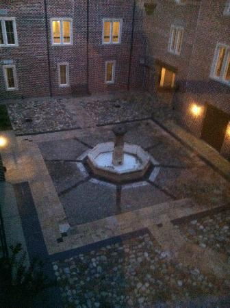Wedmore Place: Courtyard