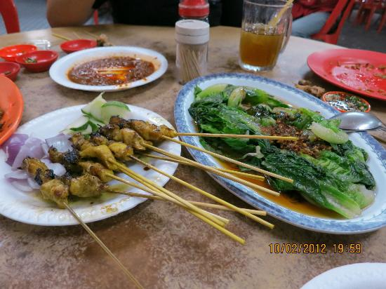 Felda Residence Hot Springs: food we had in the nearby town