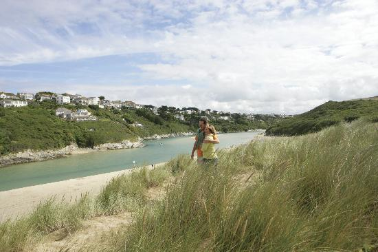 Parkdean - Crantock Beach Holiday Park: Crantcok Beach near Parkdean Crantock Beach Holiday Park