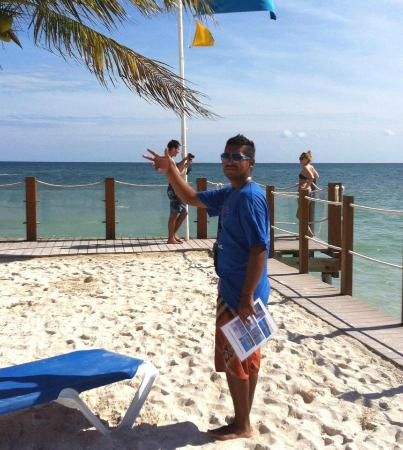 Ocean Maya Royale: CARLOS!! Watersports/parasialing/fishing/jet ski/ you name it he'll make it happen!!