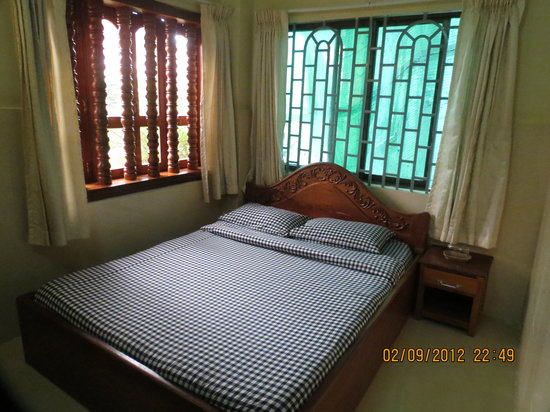Mandalay Inn: Queen Bed Room