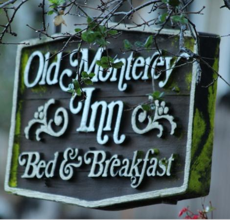 Old Monterey Inn: Your suite awaits....