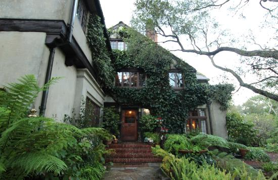 Old Monterey Inn: Welcome....