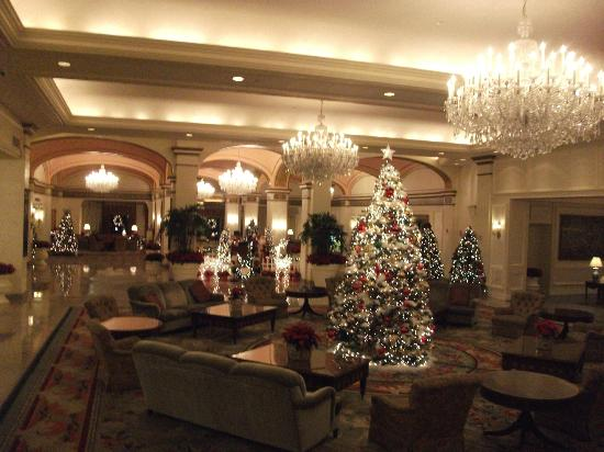Omni Shoreham Hotel: reception area decked out for Christmas
