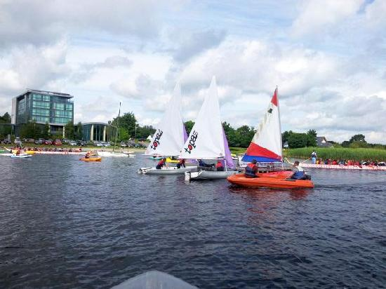 Baysports - Hodson Bay Boat Training and Watersports Centre