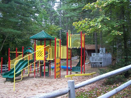 Chocorua, Нью-Гэмпшир: The Big Playground with Pirate Ship