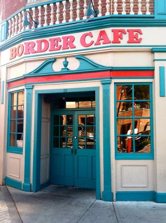 a personal review of the restaurant border cafe Includes border café reviews border cafe is a great spot to come for some really tasty fusion food they service a spanish creole fusion that is to die for.