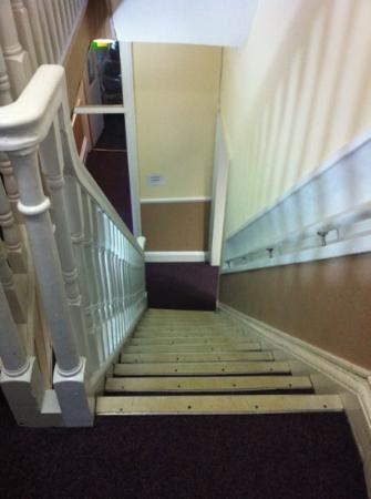 Mitre Hotel: staircase up & down the hotel