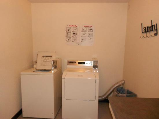 Super 8 Kingdom City: Guest laundry facility