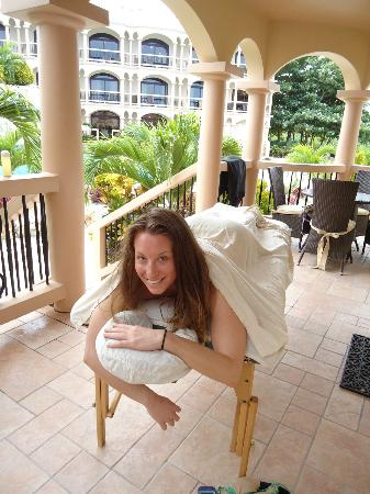 Coco Beach Resort: Massage on my private porch (Karen was great and so sweet!)