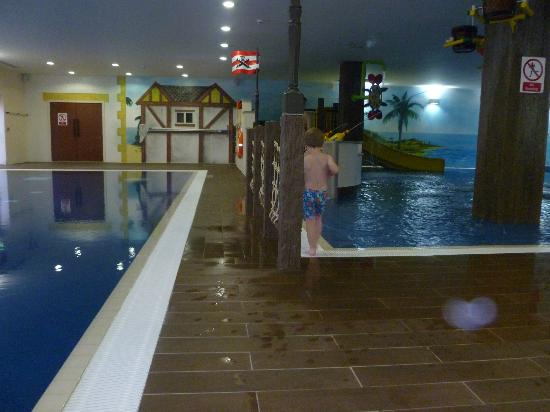 Metting santa was fun picture of legoland resort hotel windsor tripadvisor for Hotels near legoland with swimming pool