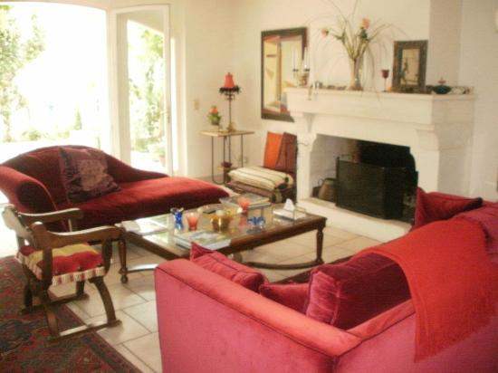 Le Clos du Rempart: Living Room