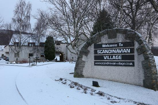 Scandinavian Village: Entrance