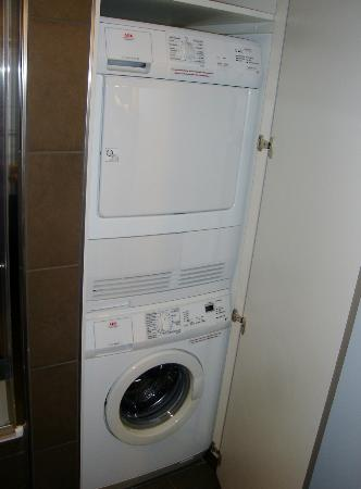 washing machine dryer picture of adina apartment hotel