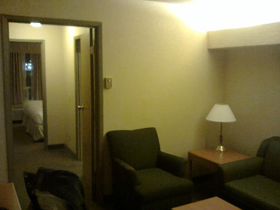 Days Inn Calgary Airport: Suite