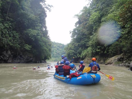 San Pedro, : Rafting Pacuare River in Costa Rica