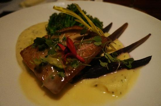 Four Seasons Resort Lana'i at Manele Bay: Delicious Mahi entree