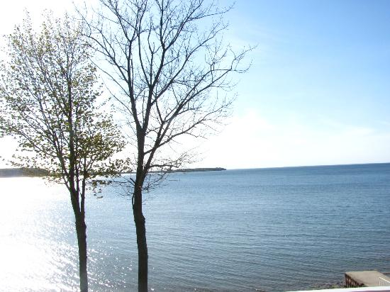 Westwood Shores Waterfront Resort : Beautiful view from the dining room window