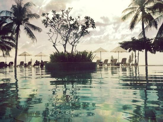 Nora Beach Resort and Spa: The pool.