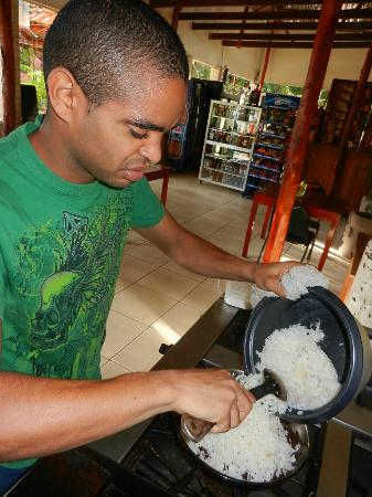 Art Hotel Managua: Marlon Cooking Gyo Pinto