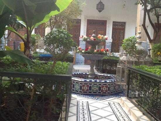 the courtyard at riad dar sbihi