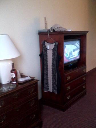 BEST WESTERN Genetti Hotel & Conference Center: Only furniture in room