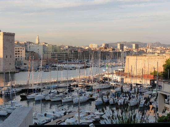 Sofitel Marseille Vieux-Port: The play of light on the buildings and water from my room was amazing!