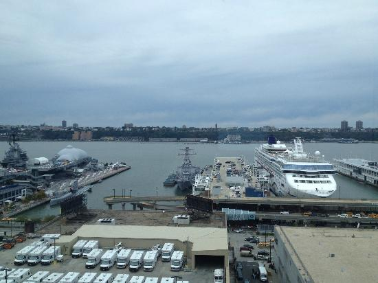 Ink48 - a Kimpton Hotel: View fo the Hudson