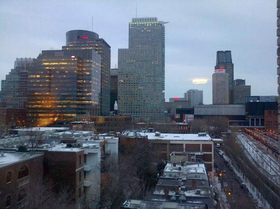 Hotel Espresso Montreal Centre-Ville/Downtown: This was the view from our room on the 7th floor