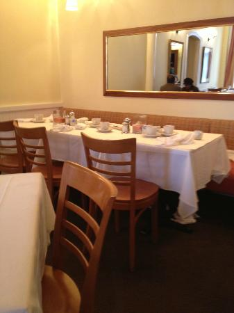 Hamersley&#39;s Bistro: the room (back area)