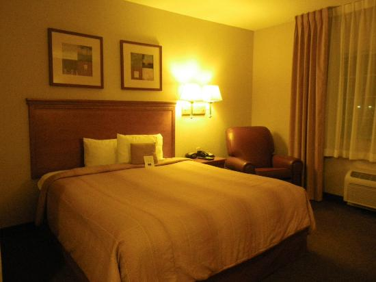 Candlewood Suites Turlock : comfortable bed