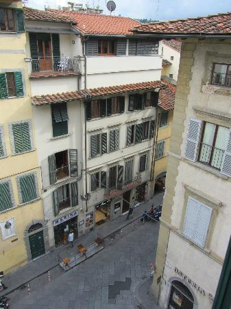 Black 5 Florence Suite: street view from our room