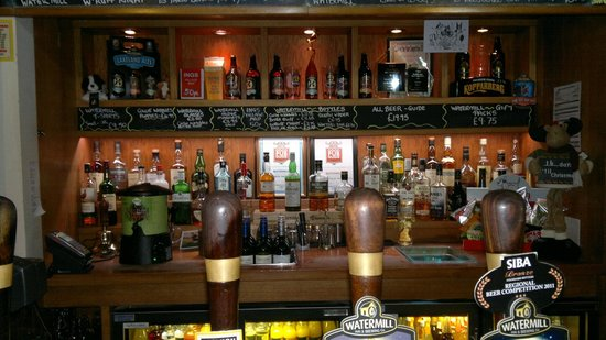 Kendal, UK: The Bar view - great selection :)