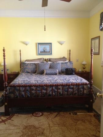 Centennial House Bed and Breakfast: Love! Oliveros Room