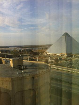 Memphis Marriott Downtown: Memphis Pyramid
