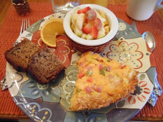 All Seasons River Inn: One of the amazing breakfasts
