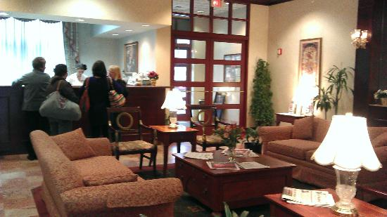 Shippen Place Hotel: Front Lobby