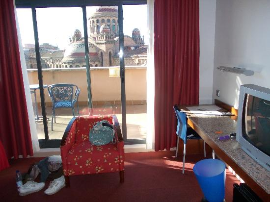 Amrey Sant Pau: room, looking out towards balcony