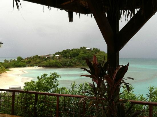 Cocobay Resort: rain coming in during lunch