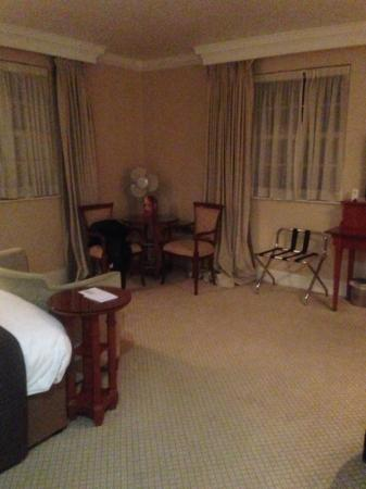Brandshatch Place Hotel: not like the executive rooms on the website