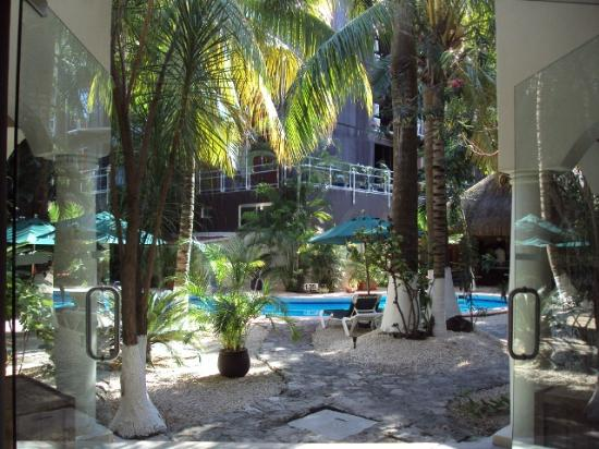 Hacienda Paradise Boutique Hotel by Xperience Hotels: View of grounds from lobby