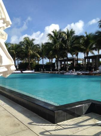 W South Beach: Nice pool if it's a slow day and you can get to it.