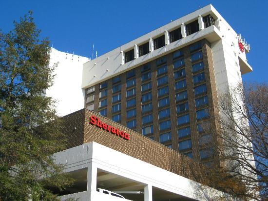 Sheraton Pentagon City Hotel: The exterior of the hotel