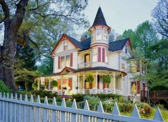 Photo of The Oaks Bed & Breakfast Saluda