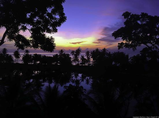 Tounelet, Indonesia: morning view from Superior Cottages C1 and C2 to beach