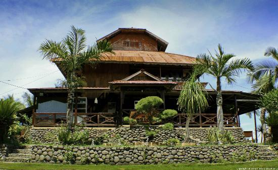Tounelet, Indonesia: main house incl. reception, restaurant and office
