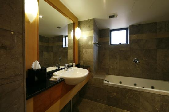 Coogee, Australia: Boutique Accommodation- Bathroom