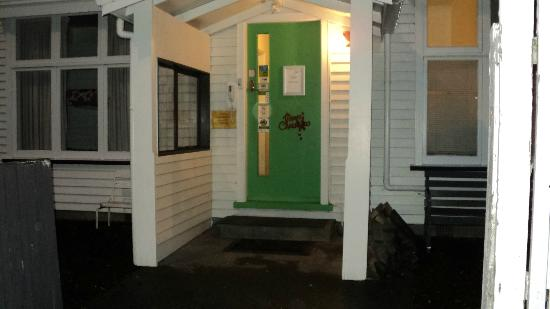 KIWI basecamp: Front entrance